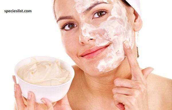 Cách dưỡng trắng da mặt tại nhà bằng sữa chua không đường